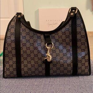 c028335d134451 Women Gucci Bardot Handbag on Poshmark